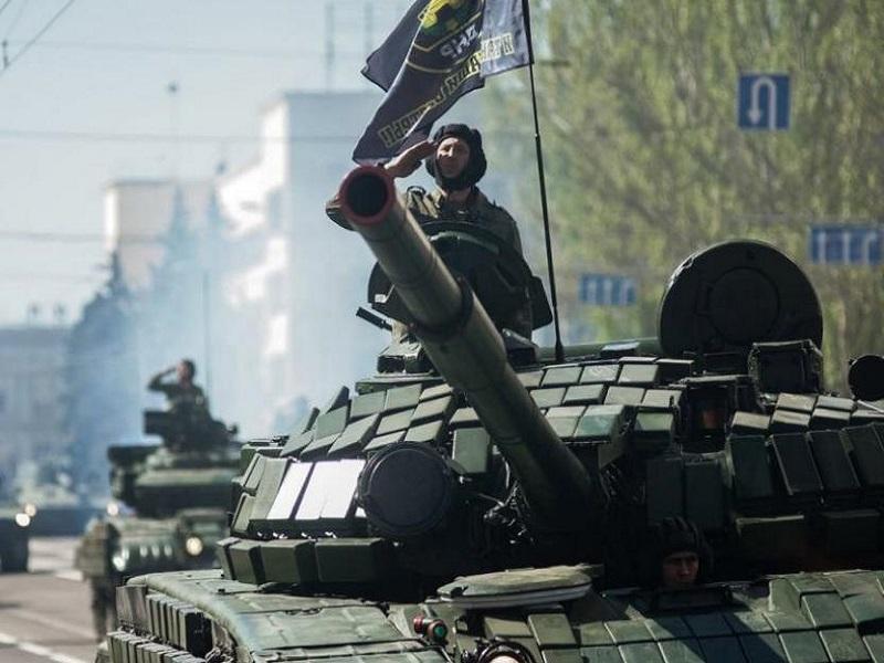 Дончане с возмущением отзываются о проведении парада 9 мая в Донецке.
