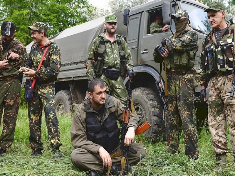В «ДНР» жены военных возмущены невыплатами зарплат своим мужьям.