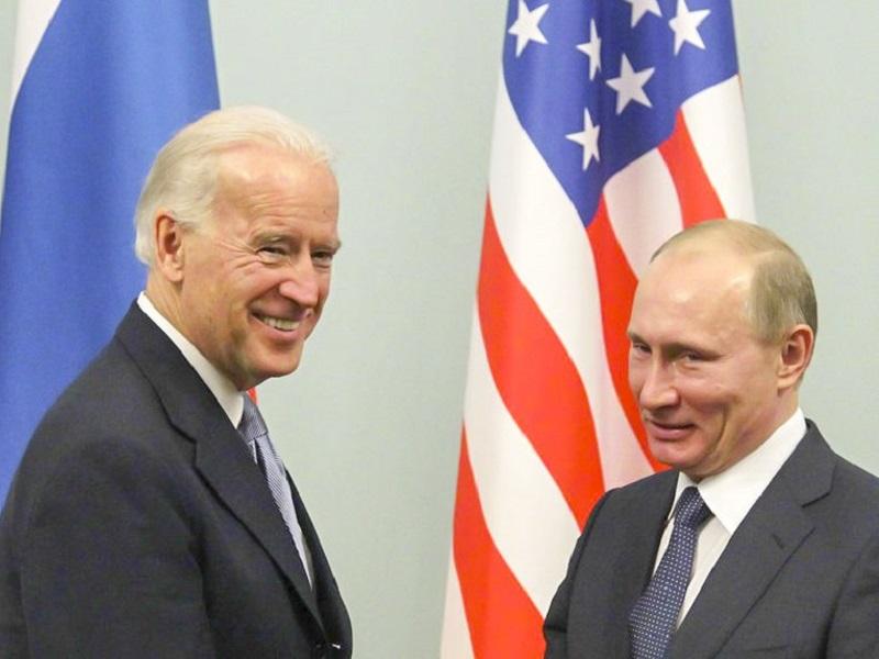 В МИД России рассказали, о чем Путин намерен попросить Байдена.