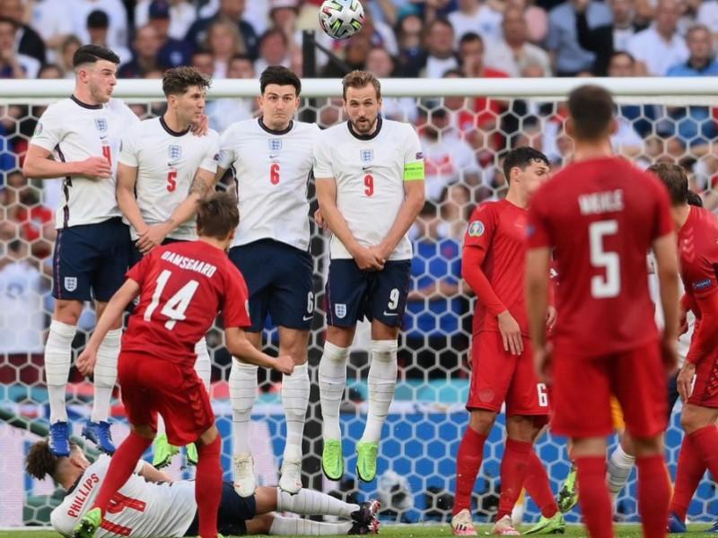 Матч сборных Англии и Дании