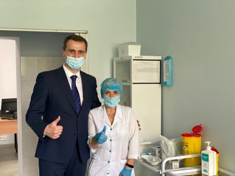 Виктор Ляшко на вакцинации