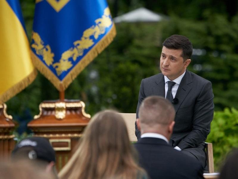 Русские в Украине не будут считаться нацменьшинством.