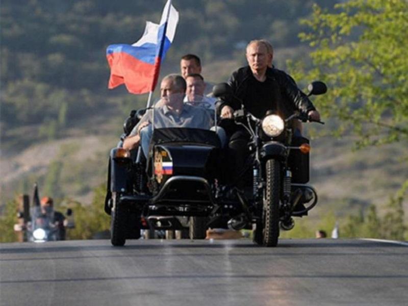 Путин намерен осенью посетить оккупированный Донбасс.