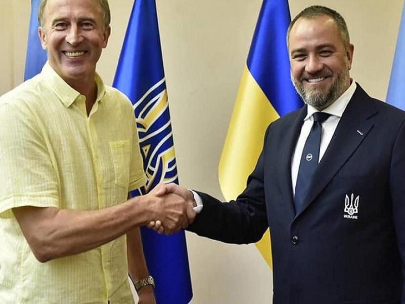 Украинская сборная по футболу подучила нового главного тренера.