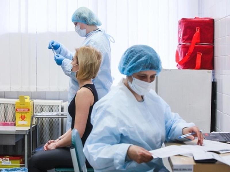 В Киеве будет приостановлена вакцинация.