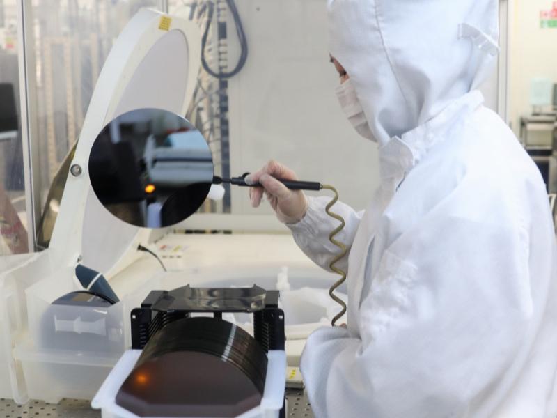 США и Китай вступили в борьбу в сфере производства микрочипов