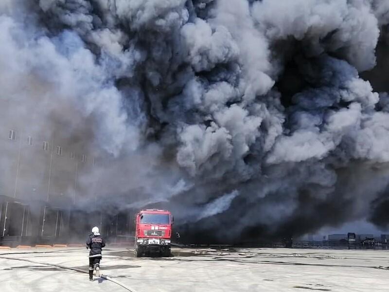 Под Одессой горит склад