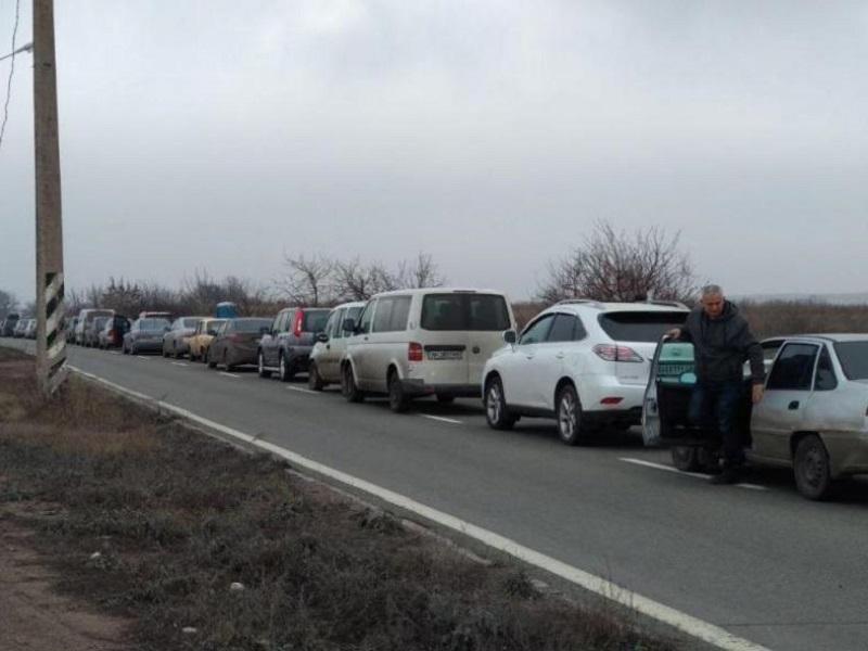 В ОРДО с 17 по 19 сентября будет резко ограничено движение транспорта через КПВВ на границе с РФ.