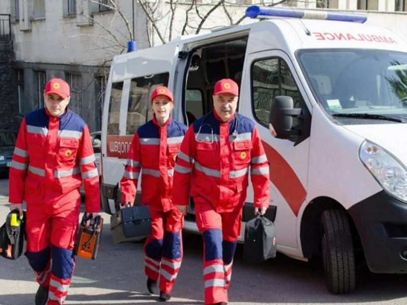 В Донецке скорые отказываются выезжать на вызовы к пожилым людям.