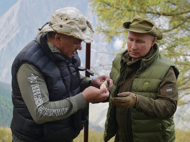Министр обороны и президент РФ
