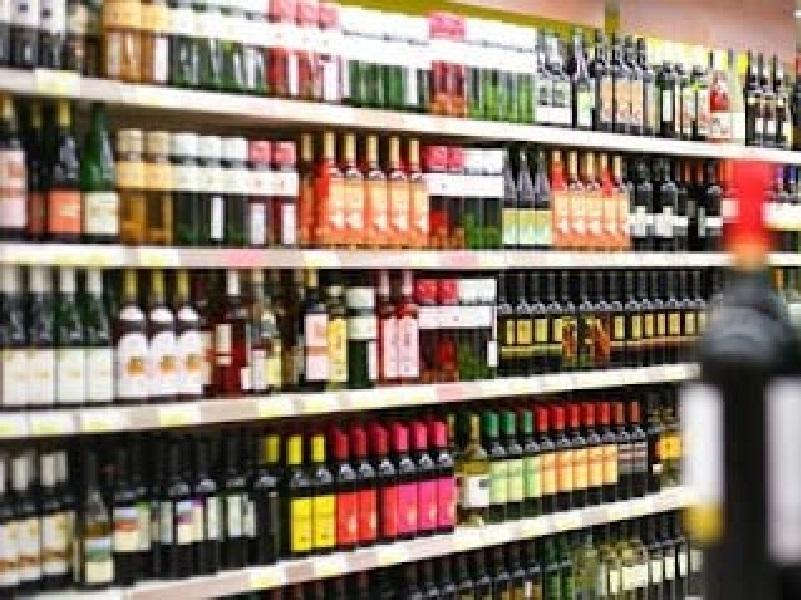 В Украине с 1 октября изменяются правила продажи алкоголя.
