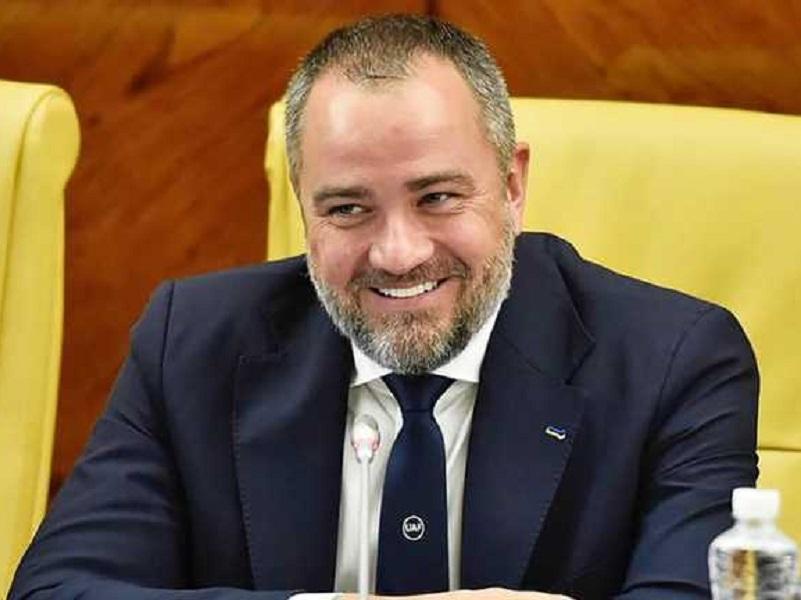 В УАФ разразился скандал, связанный с увольнением Андрея Шевченко с должности главного тренера сборной.