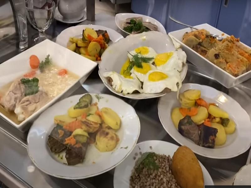 Стала известна стоимость обедов в столовой Верховной Рады.