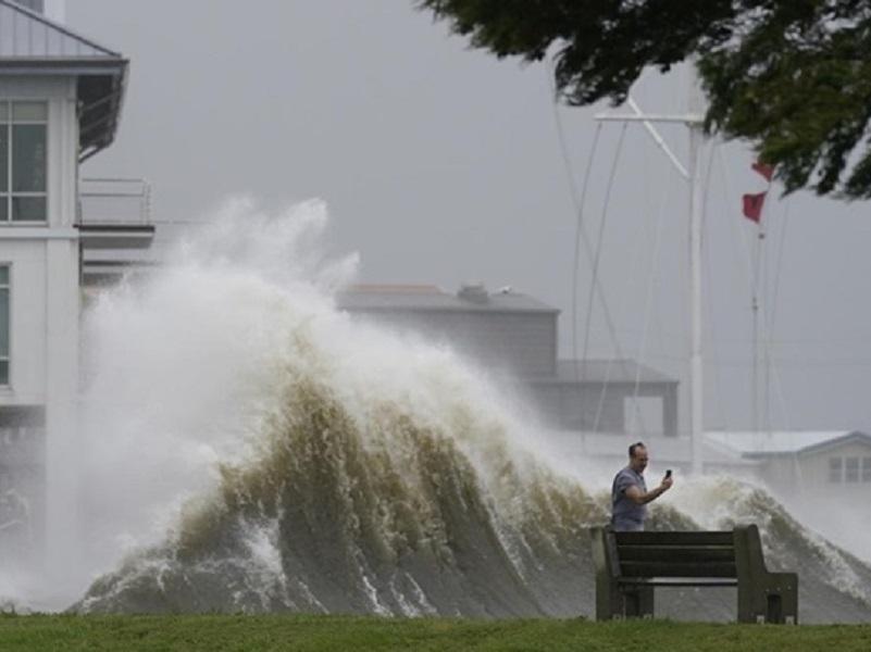 Три главные причины возникновения стихийных бедствий на Земле.