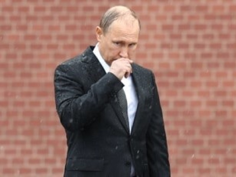 Россия стоит на пороге дворцового переворота.