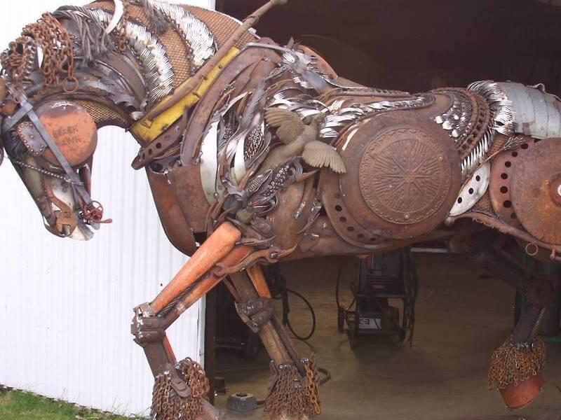 Лошадь-робот самостоятел