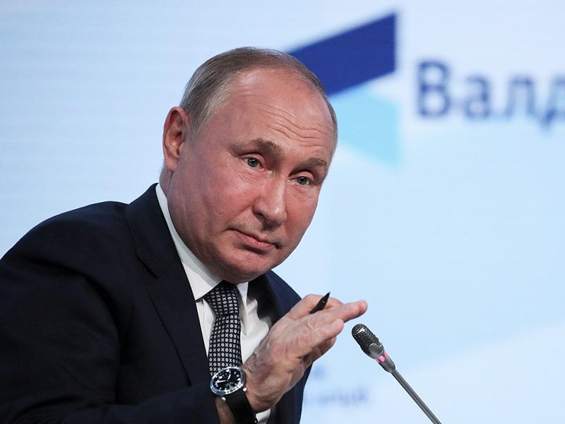 Путин рассказал, что много европейцев едут в Россию, чтобы вакцинироваться Спутником.