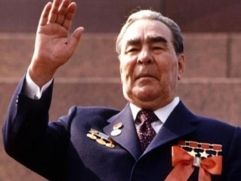 Что подарил Далай-лама Брежневу, и как этот подарок трижды спас жизнь бывшему главе ЦК КПСС.