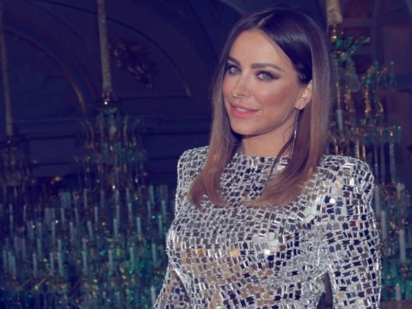 Ани Лорак удивила фанатов платьем в стиле диско (ФОТО)
