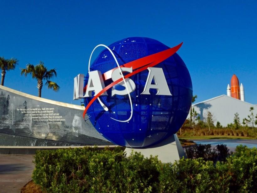 197 дней в космосе: Космонавт NASA продемонстрировал, как заново учился ходить (ВИДЕО)