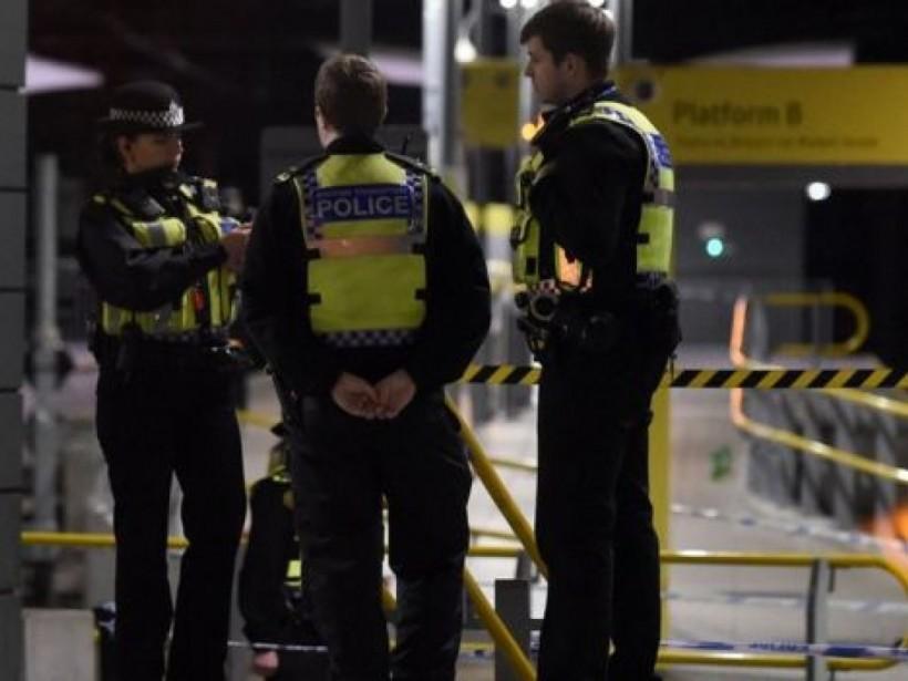 Неизвестный устроил резню в метро Манчестера: пострадали 3 человека (ФОТО, ВИДЕО)