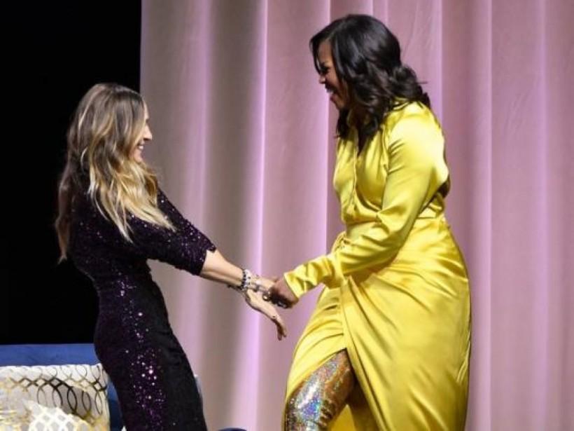 Согромным разрезом ивблестящих сапогах-чулках: дерзкий образ Мишель Обамы