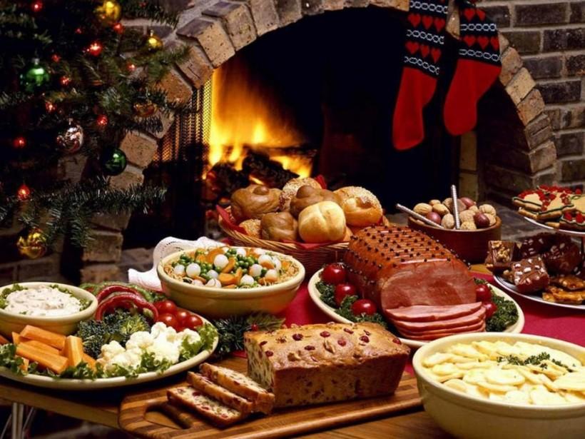 Новогодний стол: выбираем вкусные, качественные и безопасные продукты