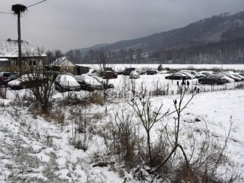 Украинцы завалили «евробляхами» приграничный поселок Убля (ФОТО)