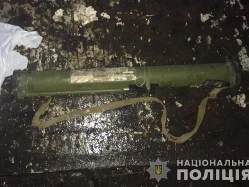 По улицам Хмельницкого разгуливал мужчина с гранатометом (ФОТО)