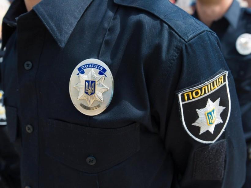 Утром нового года в Николаеве неизвестный ударил по голове бутылкой и изнасиловал 50-летнюю женщину